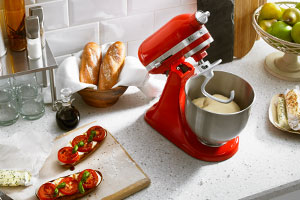 Küchenmaschine KitchenAid Mini mit Knethaken